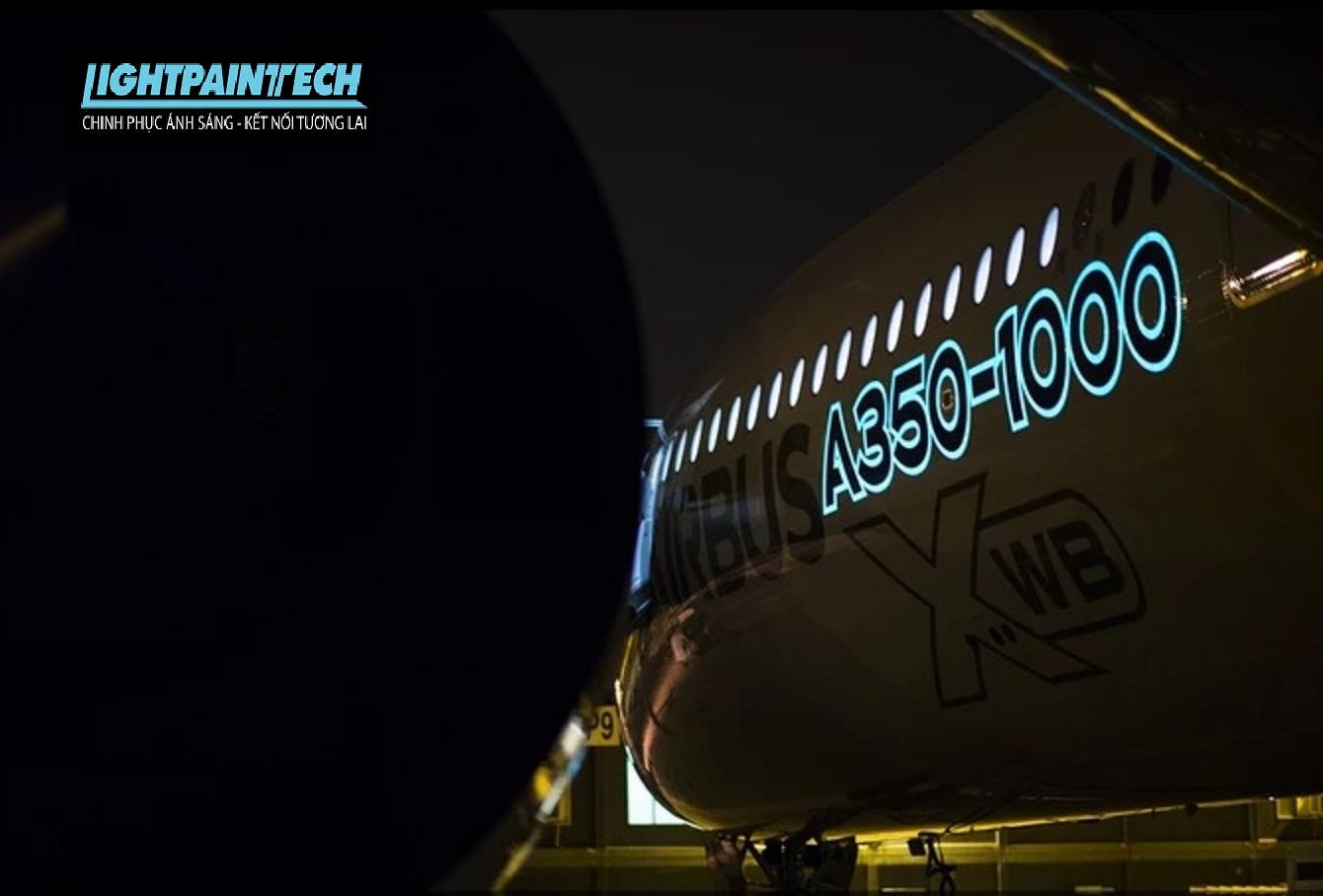 ứng dụng sơn phát sáng ngành hàng không, vũ trụ, máy bay...
