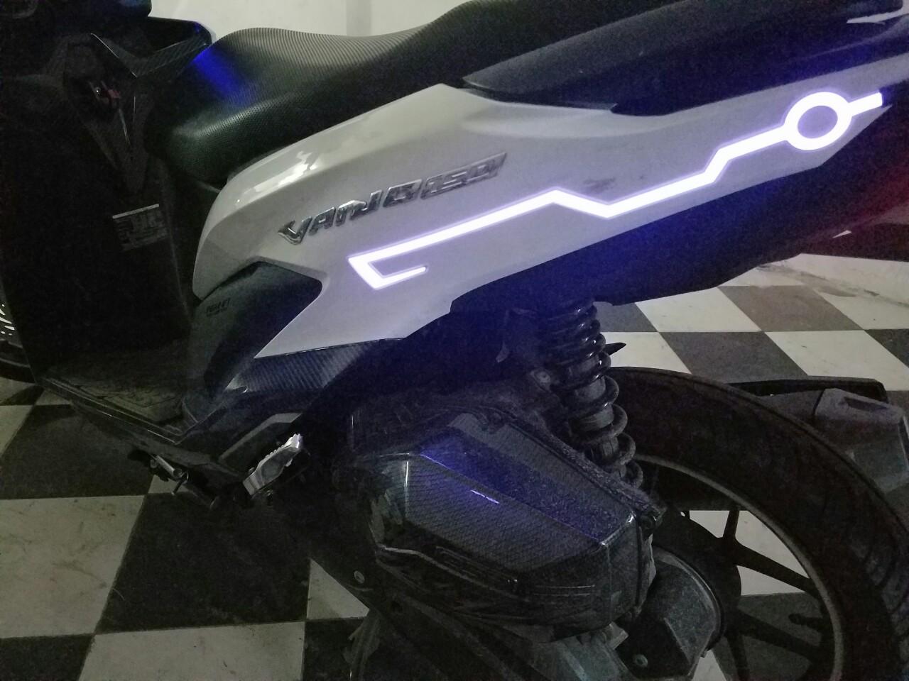 tem xe phát sáng, tem xe máy phát sáng, tem xe đạp phát sáng, tem xe đạp điện phát sáng